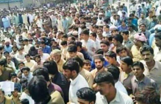 ڈی جی خان: میلہ سخی سرور جلد ختم کرنے کے فیصلے کے خلاف احتجاج