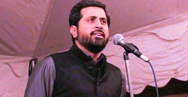 Punjab Info Minister gets angry over journalist's question on PTI's 'Madinah state' promise