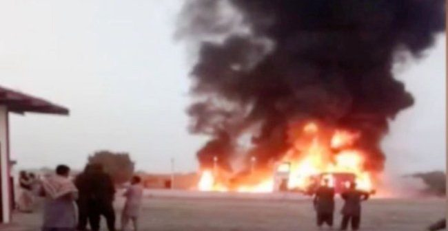 Atleast 20 burnt in accident between Panjgor bound coach, tanker near Hub